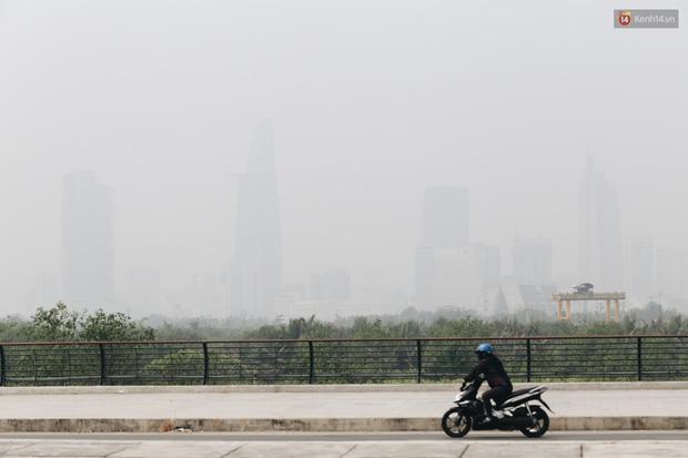 Toà nhà cao nhất Việt Nam mờ ảo trong bụi mù, Sài Gòn tiếp tục bị ô nhiễm nặng những ngày giáp Tết - Ảnh 6.