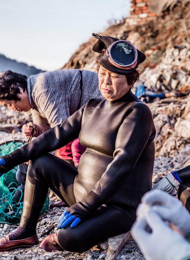 Câu chuyện cực ngầu về những nàng tiên cá 70 tuổi cuối cùng trên đảo Jeju - Ảnh 8.