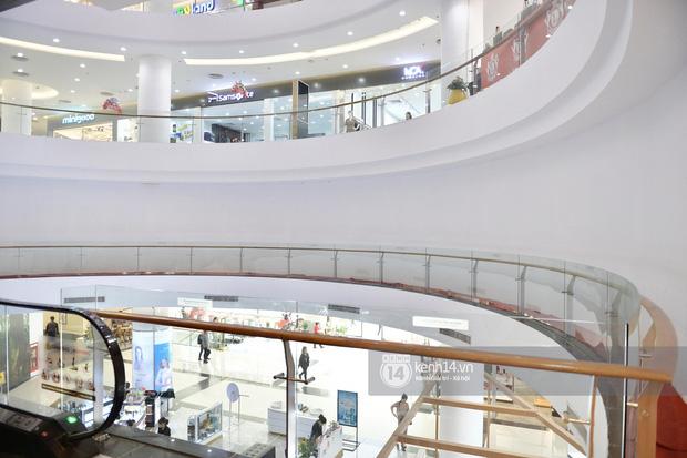 HOT: Cửa hàng UNIQLO Hà Nội đầu tiên sẽ có mặt tại Vincom Phạm Ngọc Thạch vào tháng 4 tới - Ảnh 4.