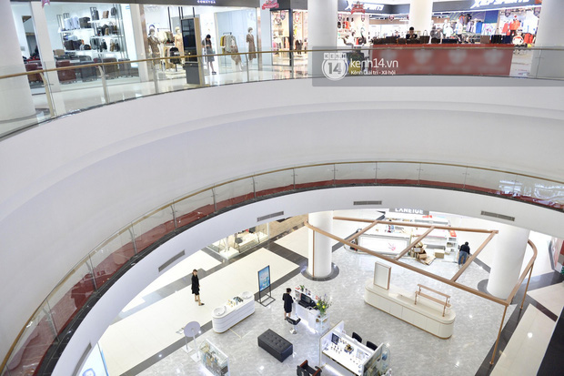 HOT: Cửa hàng UNIQLO Hà Nội đầu tiên sẽ có mặt tại Vincom Phạm Ngọc Thạch vào tháng 4 tới - Ảnh 5.