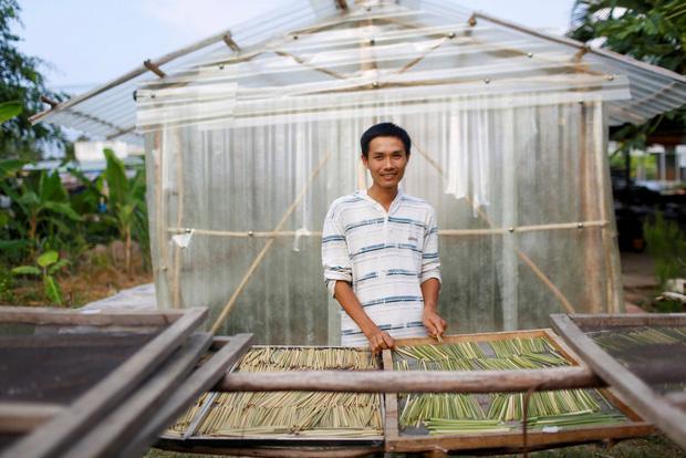Ống hút cỏ bàng của chàng doanh nhân 8X Việt Nam gây ấn tượng mạnh với truyền thông quốc tế, dân mạng hết lời khen ngợi - Ảnh 1.