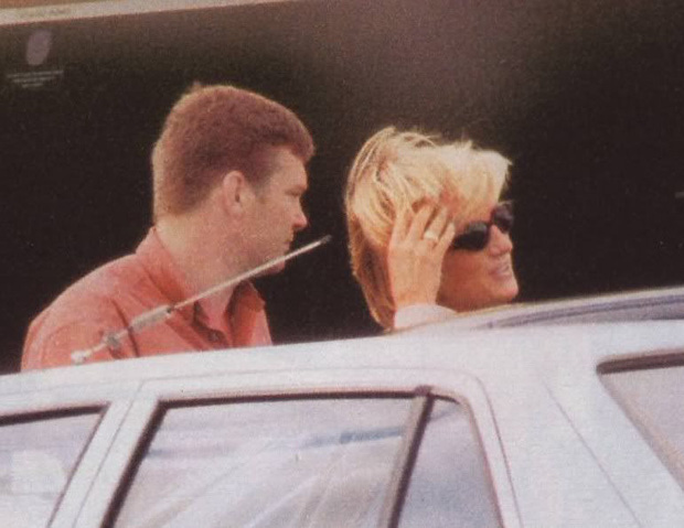 Người duy nhất sống sót trong tai nạn thảm khốc của Công nương Diana: Phải phẫu thuật khuôn mặt, bị kiện tụng và thuyết âm mưu bủa vây hơn 2 thập kỷ - Ảnh 1.