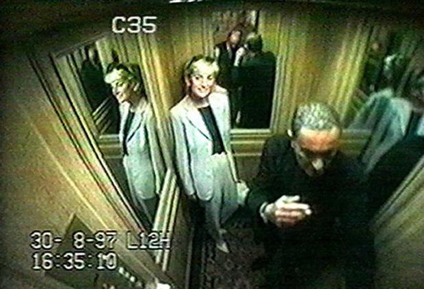 Người duy nhất sống sót trong tai nạn thảm khốc của Công nương Diana: Phải phẫu thuật khuôn mặt, bị kiện tụng và thuyết âm mưu bủa vây hơn 2 thập kỷ - Ảnh 3.