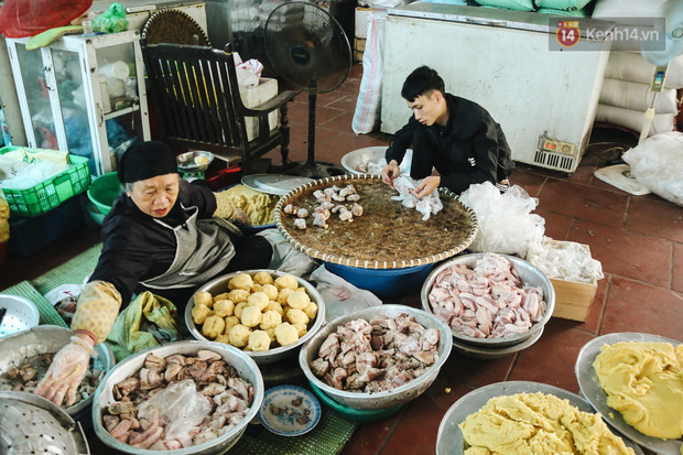 """Ảnh: Về làng bánh chưng trứ danh Tranh Khúc giữa thời điểm giá thịt lợn tăng """"phi mã"""" - Ảnh 4."""