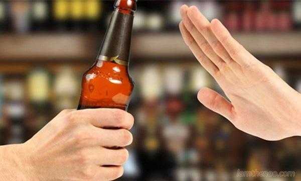 8 tiểu xảo từ chối rượu bia không gây mất lòng ngày Tết - Ảnh 2.