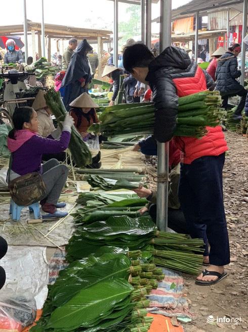 Chợ Nủa – phiên chợ đặc biệt ngày cuối năm ở Hà Nội chỉ dành cho đàn ông - Ảnh 12.