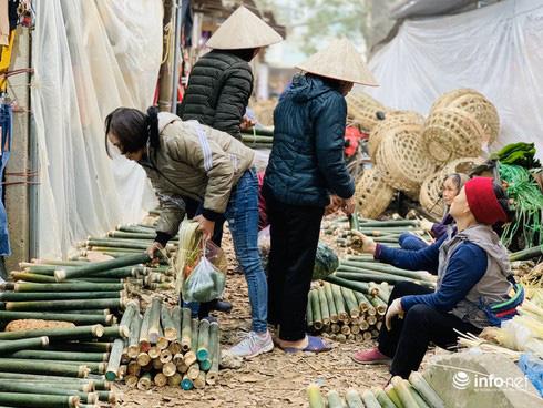 Chợ Nủa – phiên chợ đặc biệt ngày cuối năm ở Hà Nội chỉ dành cho đàn ông - Ảnh 15.