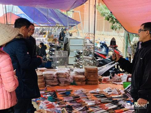 Chợ Nủa – phiên chợ đặc biệt ngày cuối năm ở Hà Nội chỉ dành cho đàn ông - Ảnh 4.