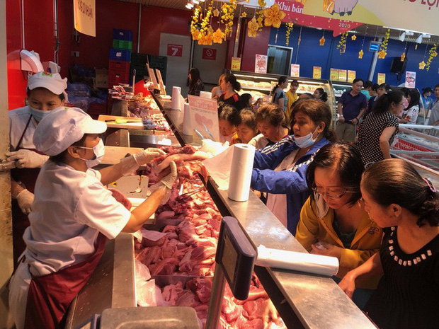 Chợ ế toàn tập, người bán trái cây, thịt heo khóc ròng - Ảnh 6.