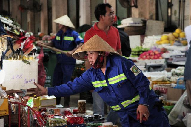 Chợ đầu mối lớn nhất Đà Nẵng đìu hiu trưa 30 Tết  - Ảnh 3.