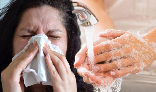 Chuyên gia lý giải: Khẩu trang y tế luôn được dùng để phòng chống bệnh dịch nhưng có ngăn được virus không? - Ảnh 3.