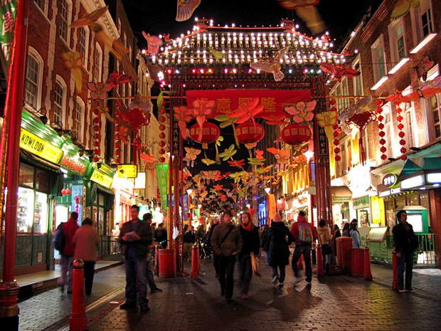 Tết của những người Trung Quốc xa xứ: Từ tổ chức Xuân Vãn ở xứ người đến các hoạt động Ăn Tết trực tuyến qua mạng Internet - Ảnh 1.