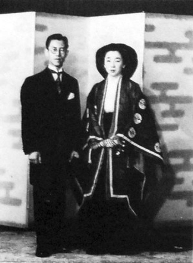 Không chỉ vợ chồng Meghan Markle, đã từng có nhiều thành viên Hoàng gia Châu Á cũng từ bỏ tước hiệu để thành thường dân - Ảnh 5.