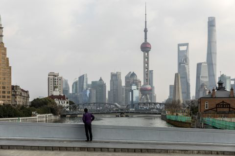Hình ảnh đáng sợ về các thành phố ma ở Trung Quốc cho thấy quy mô chưa từng có của việc cách li 60 triệu dân vì virus corona - Ảnh 3.