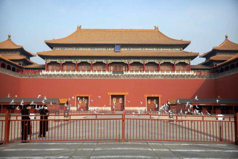 Hình ảnh đáng sợ về các thành phố ma ở Trung Quốc cho thấy quy mô chưa từng có của việc cách li 60 triệu dân vì virus corona - Ảnh 8.