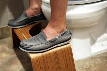Ghế kê chân khi đi WC: Top 5 sản phẩm bán chạy của Shark Tank Mỹ nhưng về Việt Nam lại ế chỏng chơ vì... quá đắt - Ảnh 1.