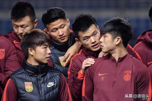 Toang như cách tuyển Trung Quốc chuẩn bị cho U23 châu Á: 3 ngày không chạm vào bóng, thiếu luôn cả thiết bị tập luyện - Ảnh 1.