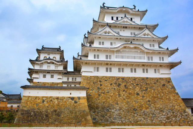 Tòa lâu đài trắng lung linh ở Nhật Bản chứa đựng bí ẩn về linh hồn của nữ người hầu bị chính người thương của mình giết chết tại đây - Ảnh 2.