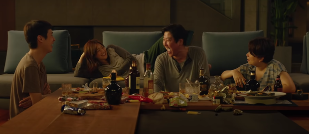 Nhìn về Oscars 2020, từ Parasite tới Joker: Thế giới điện ảnh liệu có thù hằn với người giàu? - Ảnh 14.