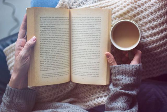 Nếu nghĩ việc đọc 2 cuốn sách/tuần là bất khả thi, bạn đã nhầm: Tôi đã làm được và thay đổi hoàn toàn cuộc đời mình mà chẳng tốn chút thời gian - Ảnh 1.