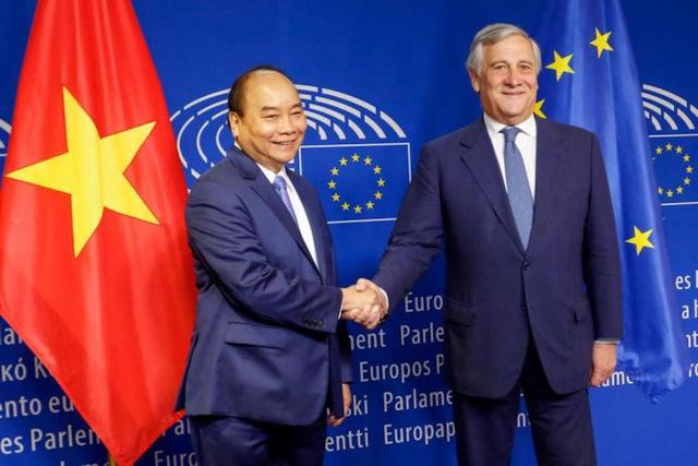 Trưởng phái đoàn EU tại Việt Nam: EVFTA là bệ phóng đưa Việt Nam tham gia sâu vào chuỗi cung ứng toàn cầu, có thể tăng lượng xuất khẩu vào EU thêm 15 tỷ EUR - Ảnh 3.