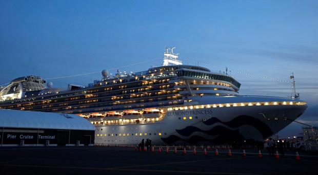 Du thuyền Diamond Princess: Xét nghiệm 1200 người có 355 ca nhiễm, tỉ lệ gần 30% chỉ từ 1 nguồn duy nhất - Tại sao cách ly rồi mà lây nhiễm nhiều như vậy? - Ảnh 1.