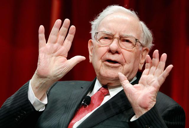 20 năm trước, Warren Buffett không tiếc đầu tư cả tỷ USD cho vợ chồng Bill Gates nhưng lời khuyên này mới là thứ khiến họ thức tỉnh và trân trọng suốt đời - Ảnh 2.