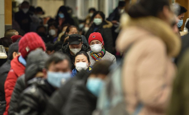 Trung Quốc lần đầu tiên phải nhập khẩu trang, Foxconn phải tự cứu mình, coronavirus đang xáo trộn chuỗi cung ứng khẩu trang toàn thế giới - Ảnh 1.