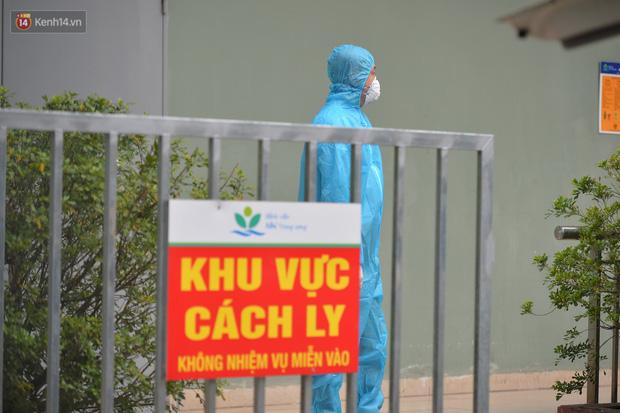 Chùm ảnh: Hành trình 9 ngày điều trị thành công cho bệnh nhi nhỏ tuổi nhất Việt Nam nhiễm COVID-19 - Ảnh 7.