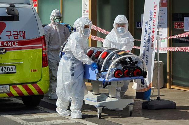 Thủ tướng Hàn Quốc thừa nhận thất bại trong việc ngăn chặn virus corona chủng mới xâm nhập - Ảnh 1.