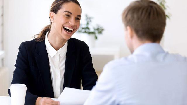 Làm sao để đặt những câu hỏi đắt giá trong buổi phỏng vấn xin việc? Hãy đặt mình vào vị trí nhà tuyển dụng và hỏi ngược lại họ  - Ảnh 2.