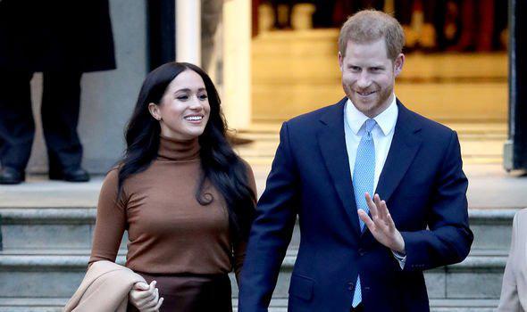 Vợ chồng Meghan Markle bị chỉ trích dữ dội sau thông báo mới chứa ngôn từ vô lễ với Nữ hoàng Anh - Ảnh 3.