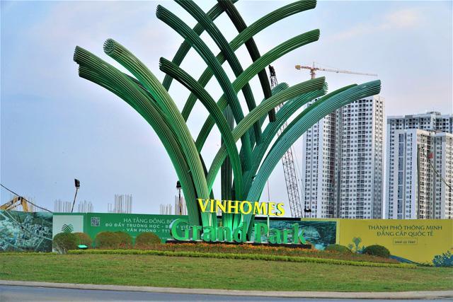 Toàn cảnh công trường đại đô thị 271 ha của Vinhomes tại TP HCM - Ảnh 1.