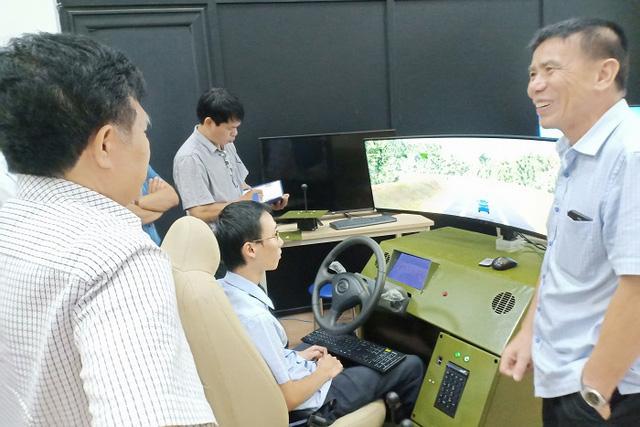 Học phí tăng sốc từng tuần, giới trẻ nháo nhác đăng ký thi bằng lái ô tô: 'Em cần bằng cho rẻ đã rồi tính sau' - Ảnh 3.
