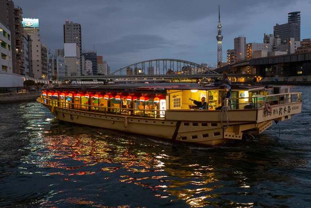 Bữa tiệc trên sông Sumida - sự kiện gây lây lan virus corona đáng sợ không kém du thuyền Diamond Princess ở Nhật Bản - Ảnh 1.
