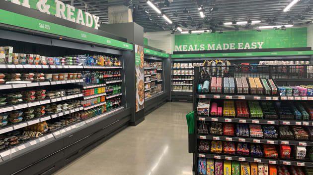 Bên trong cửa hàng thực phẩm không thu ngân đầu tiên của Amazon - Ảnh 3.