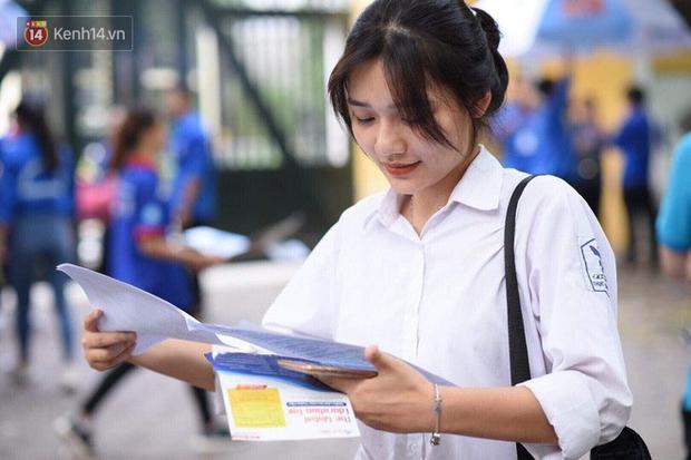 NÓNG: Bộ GD-ĐT đề nghị học sinh mầm non, tiểu học, THCS cả nước nghỉ tiếp 1- 2 tuần tới - Ảnh 1.