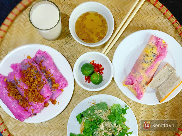 Sự thật về bánh cuốn thanh long hót họt ở Hà Nội: quán vắng nhưng đơn ship hàng thì ùn ùn, làm không kịp nghỉ tay - Ảnh 2.