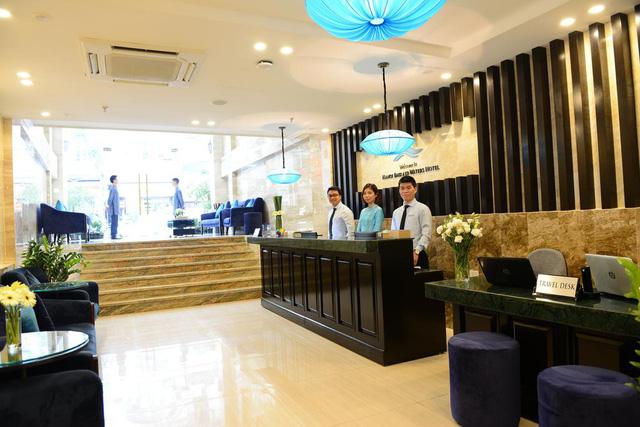 Cận cảnh khách sạn cho nhân viên nghỉ việc 4 tháng, trợ cấp 1,5 triệu đồng/người/tháng, lương sếp cũng như nhân viên vì Covid-19 - Ảnh 1.