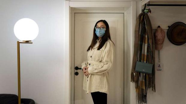 """""""Muốn khóc 100 lần mỗi ngày"""": Nỗi hoang mang và cô độc ít ai hiểu của những thai phụ Trung Quốc thời dịch virus corona - Ảnh 1."""
