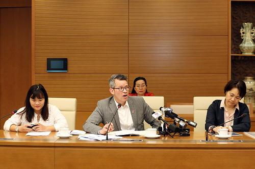 WHO và Hoa Kỳ mong muốn Việt Nam chia sẻ kinh nghiệm phòng chống COVID-19 - Ảnh 2.