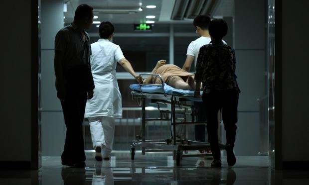 """""""Muốn khóc 100 lần mỗi ngày"""": Nỗi hoang mang và cô độc ít ai hiểu của những thai phụ Trung Quốc thời dịch virus corona - Ảnh 5."""