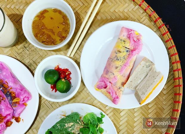 Sự thật về bánh cuốn thanh long hót họt ở Hà Nội: quán vắng nhưng đơn ship hàng thì ùn ùn, làm không kịp nghỉ tay - Ảnh 7.