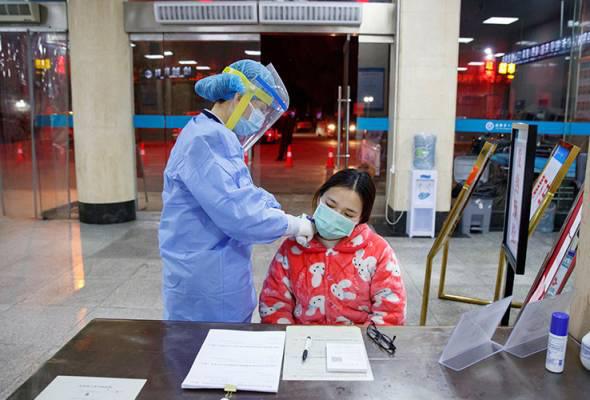Vừa được chữa khỏi virus corona, nữ y tá Vũ Hán ngay lập tức quay trở lại bệnh viện làm việc, không nghỉ ngơi dù chỉ một ngày  - Ảnh 1.