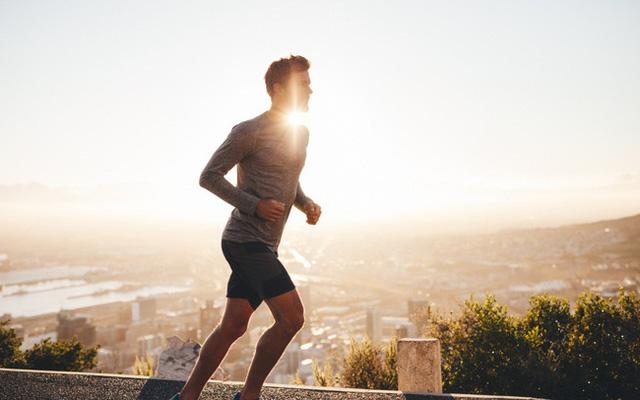Nghiên cứu khoa học: Chạy bộ 20 phút giúp bạn tỉnh táo tốt hơn uống cà phê, đặc biệt là không có tác dụng phụ với sức khỏe  - Ảnh 2.