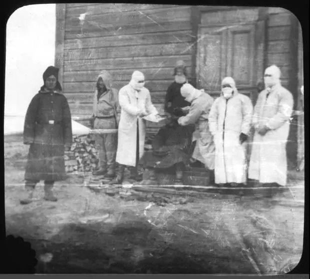 Bác sĩ đi trước thời đại Wu Lien-teh - người ngăn chặn đại dịch viêm phổi giết chết hàng ngàn sinh mạng cách đây hơn 1 thế kỷ - Ảnh 4.