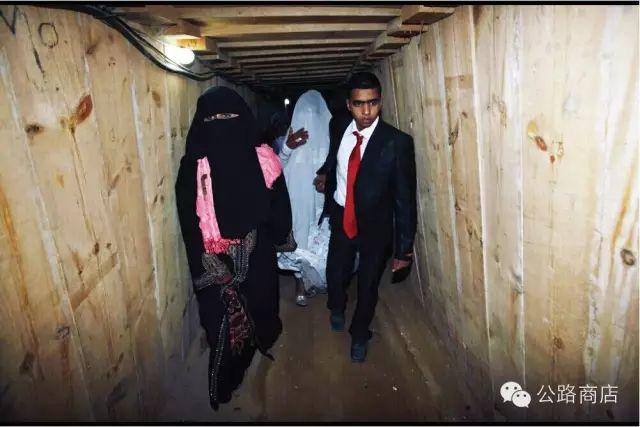 Tại Trung Đông, gà rán KFC cũng trở thành mặt hàng để người ta đánh đổi cả tính mạng để buôn lậu - Ảnh 12.