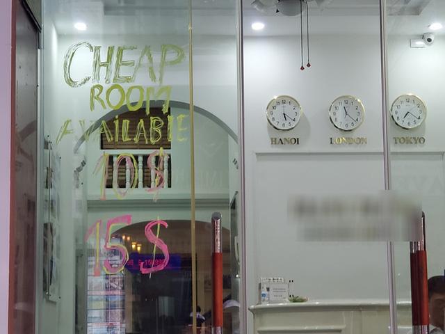 Đói khách vì dịch Covid-19, khách sạn 3 sao ở Hà Nội giảm sốc giá phòng còn 299.000 đồng  - Ảnh 2.