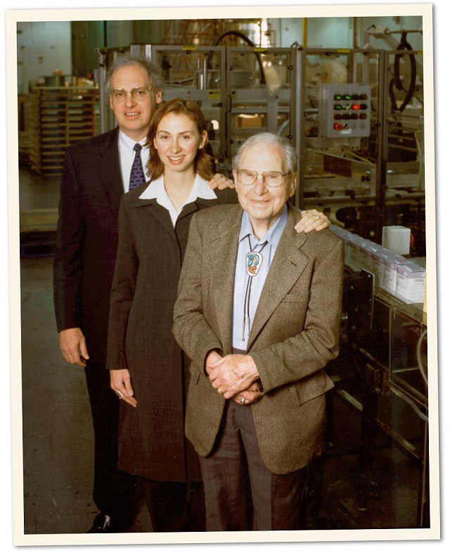 Chuyện kinh doanh của công ty gia đình chuyên sản xuất nước rửa tay có giá trị 1 tỷ USD - Ảnh 2.