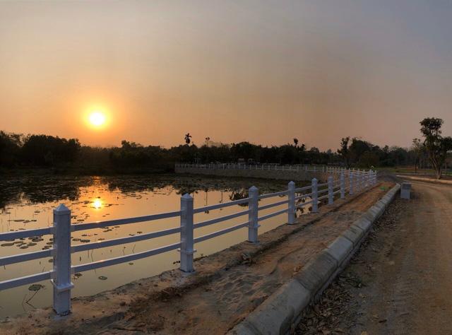 """Giới đầu tư Hà Nội không ngại """"xuống tiền"""" mua đất nền Hoà Lạc đã có sổ đỏ - Ảnh 2."""